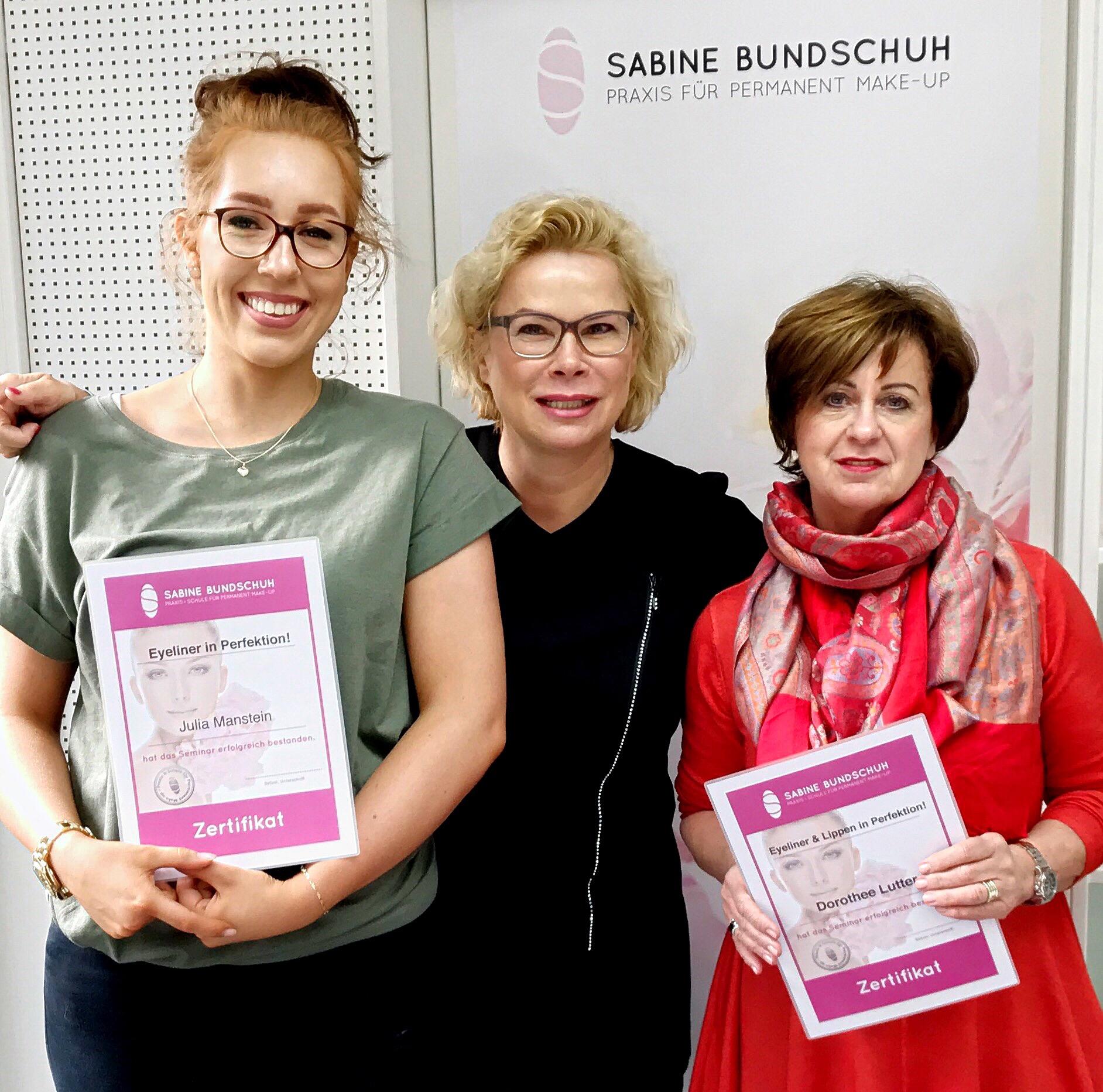 Stolze Absolventen des Perfektionstraining_Bundschuh.jpg